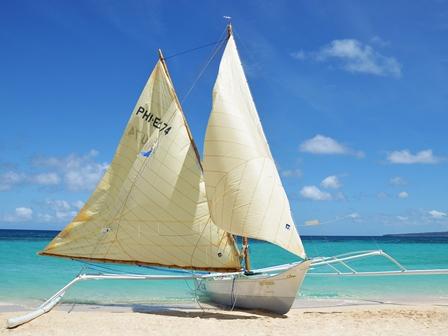 Mistymorning - Segelboot auf Boracay